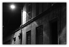 Ainsi la Nuit (hommage  Henri Dutilleux) (Jean-Luc Lopoldi) Tags: shadow bw mystery night noiretblanc ombre gloom nuit stringquartet obscurit streetlighting tnbres quatuor clairagepublic