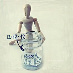 12.12.12  -  12:12 (lizbeth ) Tags: life love mannequin glass hope 1212 peace amor rita paz happiness health amour vida felicidad amore esperanza manequim salud 121212 maniqu tarro cabalstico fortheworld mybestwishes