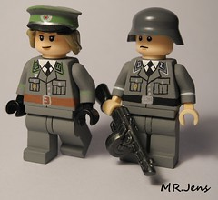 East German NVA DDR Soldiers Cold War LEGO (MR. Jens) Tags: cold soldier war lego republik ddr der officer deutsche nationale nva demokratische ppsh grenztruppen volksarmee brickarms