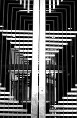 Puerta Art Deco Art Deco door (Raul Jaso) Tags: door bw byn blancoynegro mexico arquitectura puerta mexicocity entrance gateway entrada access artdeco ciudaddemexico entradas puertas