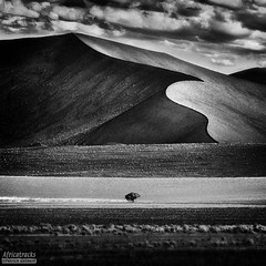 Namibie   Dune 45   08/2005 (africatracks-) Tags: bw landscapes nb namib namibie dune45 nationalgeography uploaded:by=flickrmobile flickriosapp:filter=nofilter