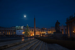 Full Moon over St Peter's Place (MrBlackSun - Busy for sometime) Tags: nightphotography italy rome night nightshot sanpietro piazzasanpietro stpetersplace saintpetersplace rome2012 italy2012