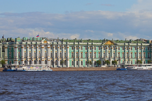 Saint Petersburg, Russia. Palace Embankment, house 38 (Winter Palace) © A.Savin, Wikimedia Commons
