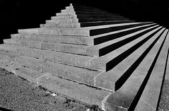 (Jean-Luc Lopoldi) Tags: bw noiretblanc escalier stairs perronsteps ombreetsoleil shadeandsunshine lumire cathdrale pyramide