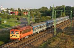 418331 Albertfalva (Gridboy56) Tags: budapest europe diesel 418 418331 19703 tapolca budapestdeli railways railroad trains train locomotive locomotives mav ganz alberfalva