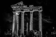Apollon-Tempel im Abendlicht (matthias-fotografien) Tags: trkei side apollontempel monochrome