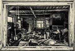 Smithy (ristoranta) Tags: ikkuna smithy hylätty käsite romu blacksmith paja autiotalo desertedhouse abandoned scrap talo junk poka windowframes bw kehys seppä rakennus nummipusula uusimaa finland fi