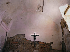 Caccamo, castle's chapel (Maximus DiFermo) Tags: maximus difermo caccamo palermo sicily italy castle medieval normans light insight pray