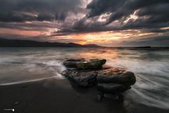 Tormenta en el Lastron (Caramad) Tags: mar landscape sunset olas bizkaia light agua longexposure sea ellastrn rocas wave rocks seascape puestadesol marcantbrico espaa playa