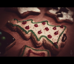 Christmas Biscuits at Night (Photofreaks) Tags: christmas cookies germany biscuits bake pltzchen backen adengs wwwphotofreaksws shopphotofreaksws