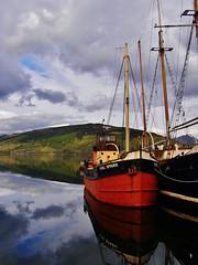 The Vital Spark (Matt 82) Tags: water reflections landscape scotland clyde boat olympus loch puffer steamer inveraray lochfyne cargoship scottishhighlands parahandy clydepuffer eileaneisdeal 63mm thevitalspark matt82