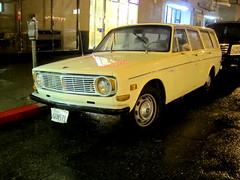 IMG_3131 (rat_fink) Tags: white wet rain wagon oakland volvo raining stationwagon b20 145 140 145s
