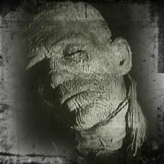 mummy #horror #film #monster #bw #DVD... (Ninethirtytwo) Tags: bw film monster dvd horror mummy iphone karloff iphoneography uploaded:by=flickstagram instagram:photo=1865055132295342