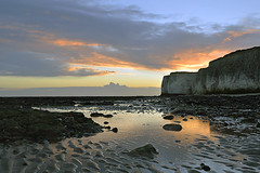 SERENITY OF SUNRISE (DESPITE STRAIGHT LINES) Tags: morning winter light sea england sky cliff cloud sunlight beach sunrise bay chalk kent seaside am lowlight sand nikon rocks december day cloudy sandy tide debris shoreline overcast cliffs shore northsea serenity botanybay tidal goldenhour manfrotto d800 firstlight granules broadstairs thenorthsea thegoldenhour paulwilliams botanybaykent nikon2470mm nikongps nikond800 nikongp1 botanybaybeach sandyshoreline despitestraightlines sunriseoverbotanybay botanybayengland botanybaybroadstairsbotanybaysunrise ilobsterit