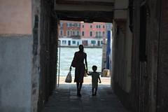 Mamma e Figlio (Remo1967) Tags: venice woman mujer 500v50f madre somanta mygearandme