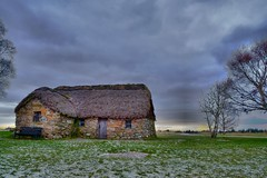 cottage in Culloden battlefield (Nathan Gibb) Tags: history fairytale countryside highlands pretty cottage battle dreamy magical inverness oldfashioned culloden jacobite invernesshire battleofculloden cullodenmoor scottishhistory scottishcountryside invernessarea jacobiterising