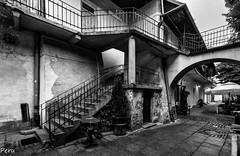 La nia del abrigo rojo. Explore 24 Agosto (Perurena) Tags: casa barrio kazimierz casimiro escaleras stairs pelicula rodaje set escenario lalistadeschindler cracovia polonia