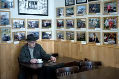 Memories (the bbp) Tags: islanda island iceland uomo man vecchio old elderly anziano bar coffee foto pictures photos caff thebbp storia history