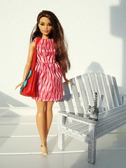 Redressed curvy girl (Deejay Bafaroy) Tags: barbie fashionistas curvy doll puppe girl mattel mollig portrait portrt outdoors draussen sonnig sunny miniature miniatur playscale 16 scale bench bank cat katze bag tasche red rot dress kleid integrity toys fashion royalty