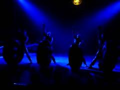 El Circo (29) (calafellvalo) Tags: circocircuscirquezirkusclownspayasosemocionesfantasiamagiacalafelvalo raluy circo zirkus sufrir suspirar fantasía fantasy sigh sueños dreams träume rêves circoraluy suspense miedo fear trepidation circus cirque equilibrios payasos clowns trapecistas trapèze trapez emociones emotionen emotions passions angst sentimirntos feelings feel affect risas lacht lache laughs mirth merriment magia magie magic calafellvalo art