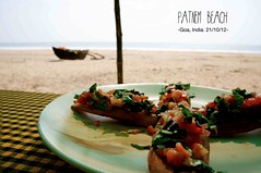 Lunch time (louise garin) Tags: travel india beach water asia goa italianfood ocan sonynex5n crostinas soneynex5n