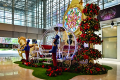 Suntec City Mall (chooyutshing) Tags: christmas decorations festival singapore display celebration shoppingmall 2012 sunteccity