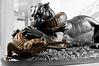 B1067-Entre depredadores (Eduardo Arias Rábanos) Tags: cutout nikon tiger esculturas cocodrilo crocodile combat combate tigre sculptures lucha d300 barye gavial desaturación depredadores eduardoarias depredators eduardoariasrábanos