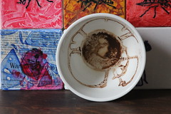 ONE cup - is art (Etching Stone) Tags: world red art cup tasse coffee up turn tomato paper one mugs is movement gallery wasp tea kunst eins border stripe kaffee vessel down bowl exhibition cups cardboard pack page future be bewegung mug target sequence wasps ziel turns tee arrangement grounds turning forecast tassen becher embryo fortunetelling stopmotion evolve atelier execution rotate sich geht revolve drehen napf gefäss rotieren dreht