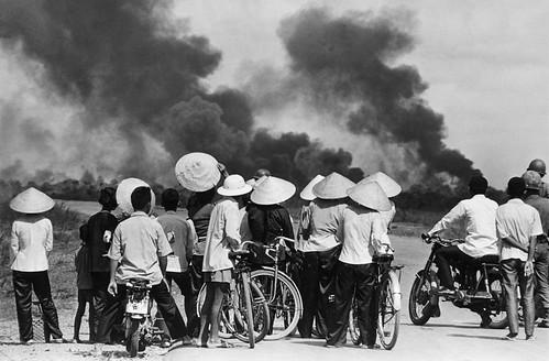 From flickr.com: Vietnam war 1972 {MID-115461}