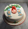 Christmas baubles cake (Cakes by Sonja) Tags: holly christmascake richfruitcake cakesbysonja fondantbaubles