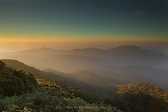 Morning Light (baddoguy) Tags: park trip travel sky mist mountain fog sunrise landscape thailand dawn golden flickr mt tour horizon scenic landmark images explore trail national getty chiangmai doi inthanon เชียงใหม่ ไทย ประเทศ กิ่วแม่ปาน อินทนนท์ ดอย kiwmaepan