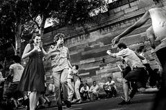 dancing in the street (Christophe.Frossard) Tags: leica summilux 28mm fullframe christophefrossard mattanga paris parisplage