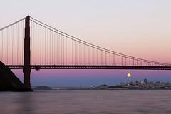 Full Moon under The Golden Gate Bridge (Eunice Eunjin Oh) Tags: sanfrancisco california sausalito thegoldengatebridge sunset water alpenglow fullmoon pacificocean sanfranciscobay