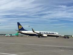 Ryanair Boeing 737 800 Series - DUB - Dublin Airport - Ireland (firehouse.ie) Tags: aeroplane airplane plane aerodrome aeropuerto aeroport boeing737 irish ireland airliner jet dub daa dublin airport aircraft 737800 800 737 boeing ryanair