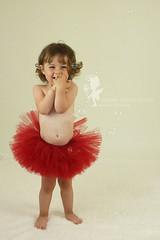 Lucie (sandradphotos) Tags: bb fille maman douceur calin amour rose rire jeu peluche cressonsacq oise france