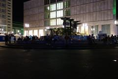 Palme auf dem Alexanderplatz (Pascal Volk) Tags: berlin berlinmitte alexanderplatz nacht night brunnendervlkerfreundschaft sonydscrx100