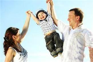 做父母有兩樣一定要給孩子:一個是根,一個是翅膀