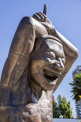 """Amazing Laughter"" statues at English Bay (_32_6422) ([Rossco]:[www.rgstrachan.com]) Tags: amazinglaughter art beach britishcolumbia canada englishbay holiday inukshuk mumanddad ships statues tankers vacation vancouver"
