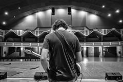 Sound check (Javier Palacios Prieto) Tags: vanity vandals auditorium venue konzert concierto prueba sonido sound check guitarra guitar gitarre empty vaco
