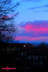 dalla finestra (archgionni) Tags: houses red sky cold tree window nature clouds sunrise nuvole alba natura case finestra cielo albero rosso freddo rami amanacer
