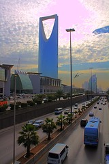 الحقيقة (ANA FOX) Tags: landscape fox ahmad ahmed برج أحمد a7mad a7med احمد الطريق الرياض خاين المملكة طريق الملك فهد خائن فوكس الخاين الخائن al5ain 5ain