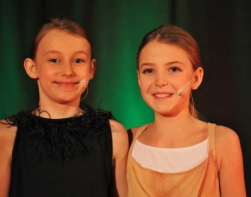 Schirin Zarre und Corinna Brottrager