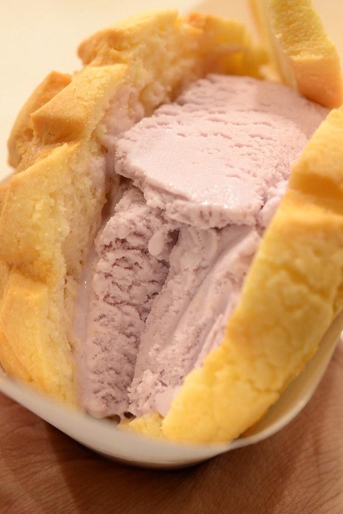 世界第二好吃的現烤冰淇淋菠蘿麵包