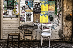 Affichage (Lucille-bs) Tags: europe grce greece crte creta kriti lacane chania khania xania rue affichage affiches table chaise tabouret