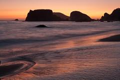 (Garrett Meyers) Tags: garrettmeyers garrett meyers reddingphotographer oregon colors beach ocean waves pink purple islands reflection