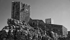 Castillo de Puertomingalvo (J.Gargallo) Tags: castillo castle puertomingalvo teruel aragn espaa spain blancoynegro blackwhite blackandwhite byn bw canon canon450d canonefs18200 eos eos450d 450d