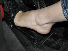 Model Francy_Night drive_First Attempt (Balletflat's lover) Tags: auto ballet black feet foot ballerina toes toe flat candid bare flats punta heels heel cleavage piedi dita ankles tippy nere balletslippers nudi ballerine balletflats tallone cavigliera sfuggente heelpop heelpopping