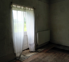 (Amber-Thomas) Tags: old light urban house home dark curtains exploration derelict tottenham urbex groundskeepers