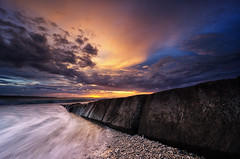 Breaking The Waves #2 (eggysayoga) Tags: longexposure sunset sky bali cloud seascape beach indonesia landscape nikon tokina filter lee nd pantai graduated kelan waterscape gnd kerobokan 1116mm d7000