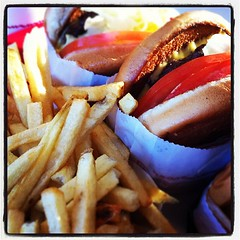 igers #iphone #iphone4 #iphoneonly #jj_forum #instadaily... (Victor Hernandez Photography) Tags: food jj burger foodporn innout iphone foodtography joshjohnson vdh iphone4 thisiscalifornia iphonephotography iphoneography igers iphoneonly jjforum instadaily jjchallenge instagood uploaded:by=flickstagram jamesfavourites instagram:photo=47679743223031